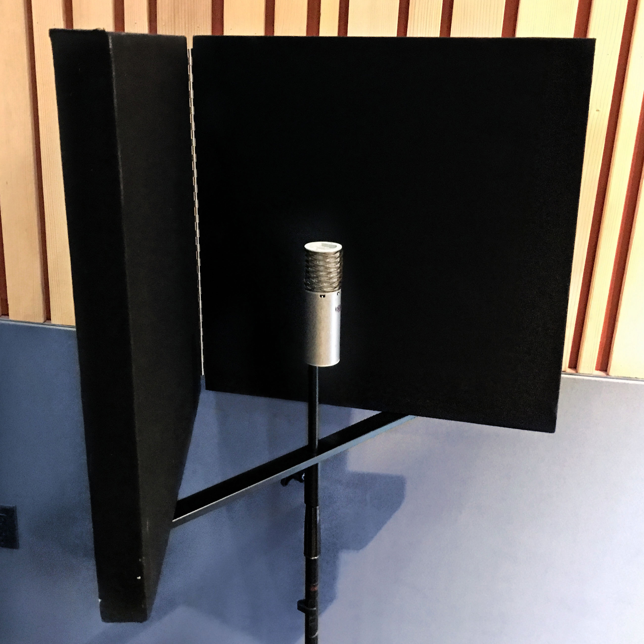 Cropped-Compact-Vocal-Booth